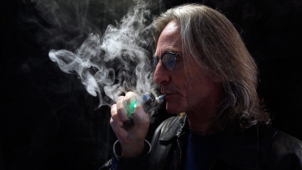 E-cigarettes take social scene by storm
