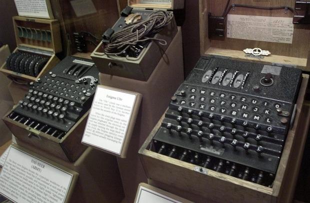 Code-breaker mathematician Alan Turing pardoned