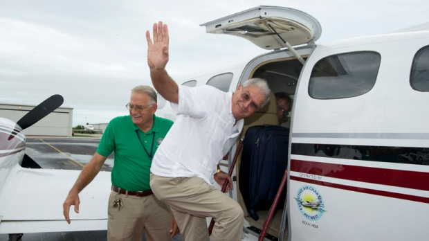 1st flight between Key West Cuba takes off