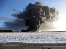 Train derails explodes in North Dakota