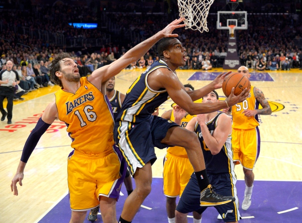 Lakers beat Jazz