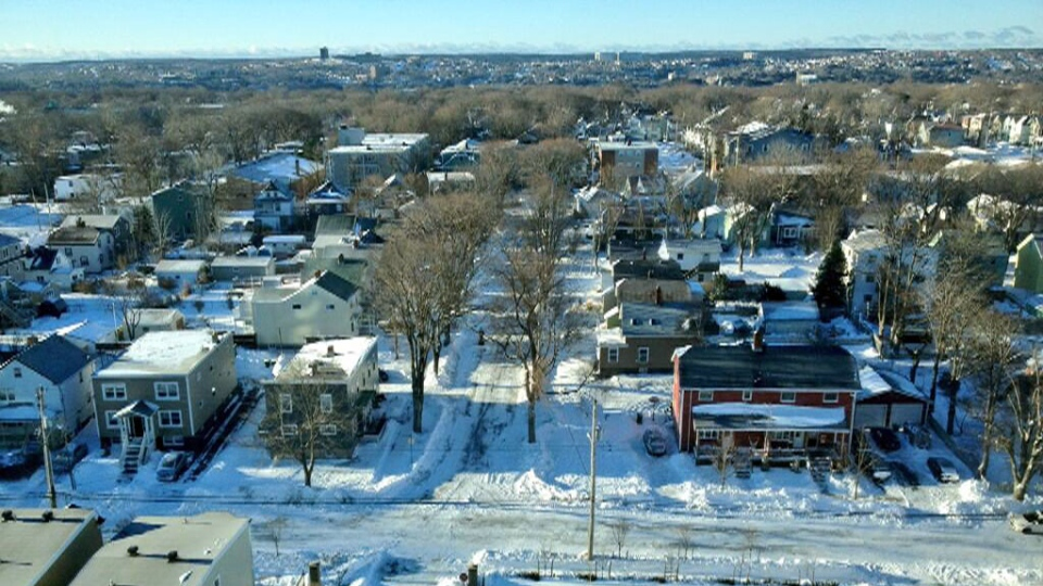 Snow covers the streets and yards the day after a heavy blizzard hit Halifax, on Saturday, Jan. 4, 2013. (Alyse Hand / CTV Atlantic)