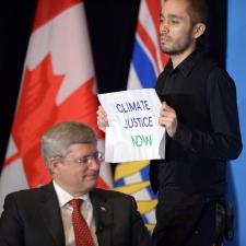 Protesters disrupt PM Harper's Vancouver event