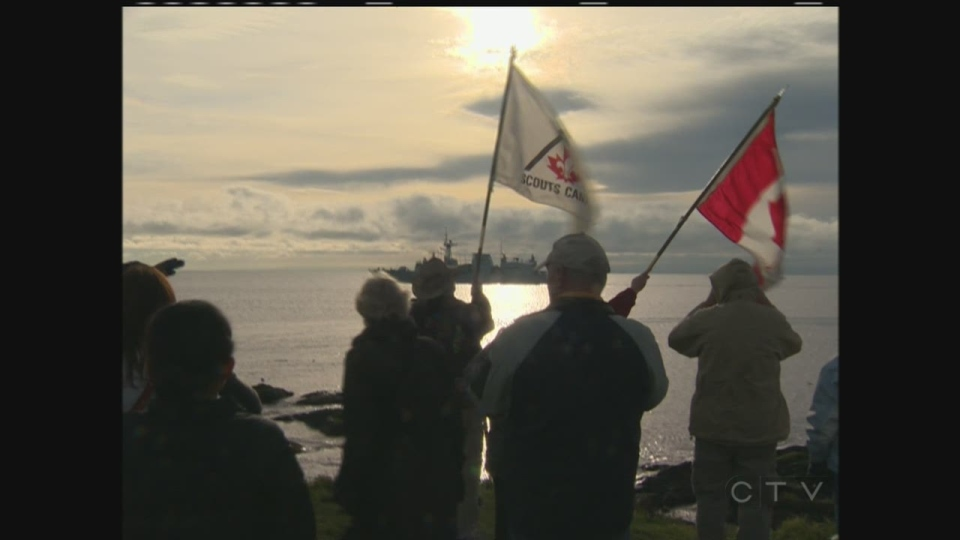 An emotional farewell as families say goodbye to sailors deployed on HMCS Regina in 2014. (CTV Vancouver Island)