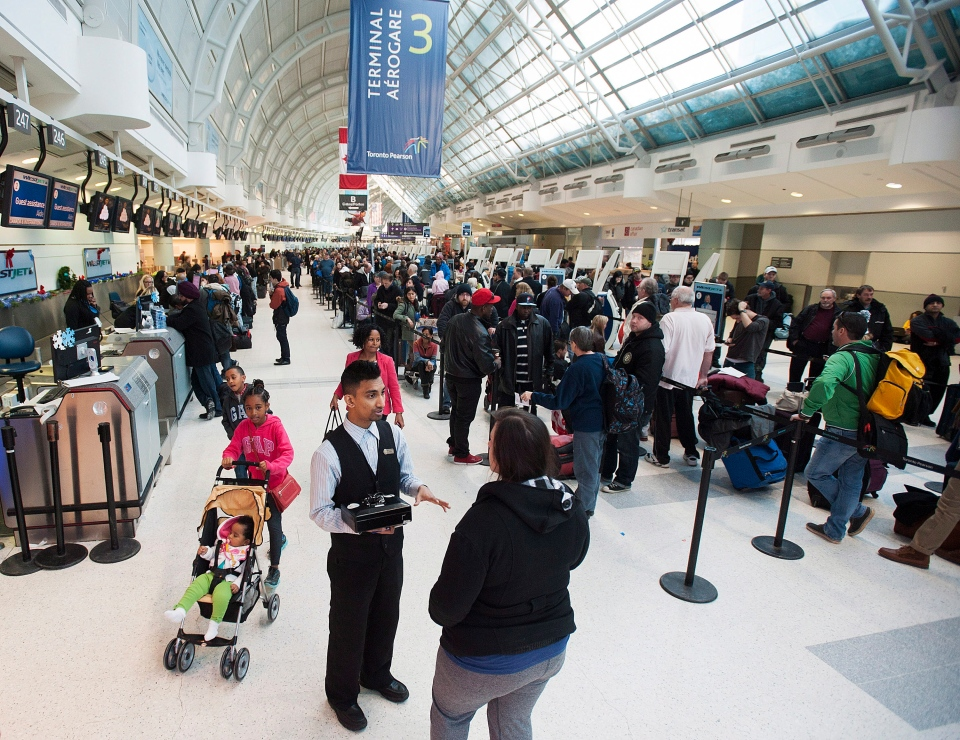 Pearson delays Toronto cold delays cancellations