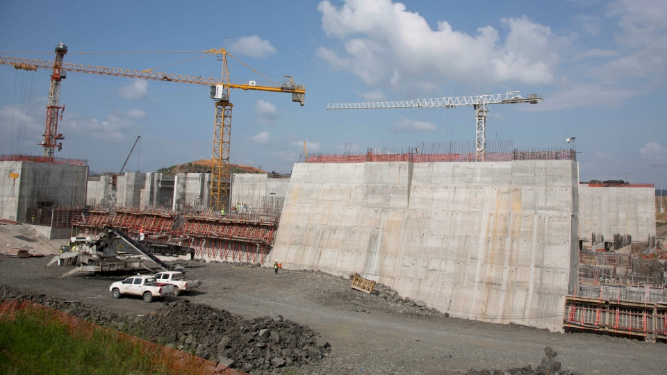 Cranes tower over the construction site of Panama Canal's Pacific expansion project in Cococli, on the outskirts of Panama City, Saturday, Jan. 4, 2014. (AP / Arnulfo Franco)