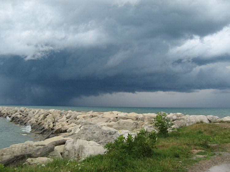 MyNews contributor Ingrid Hartman shared this photo of the storm moving into Goderich, Ont., on Sunday, Aug. 21, 2011. (Ingrid Hartman / MyNews.CTV.ca)