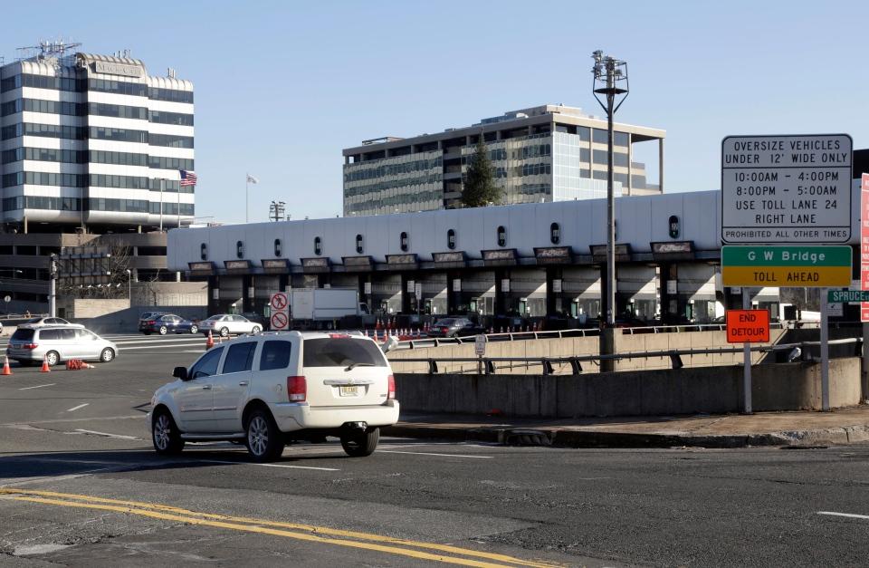 A car uses an on-ramp to the George Washington Bridge toll plaza in Fort Lee, N.J., Thursday, Jan. 9, 2014. (AP / Richard Drew)