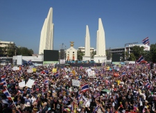 Thai protesters shut down capital