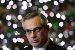 Treasury Board President Tony Clement reacts to Auditor General Michael Ferguson's latest report at a news conference in Ottawa, Tuesday, Nov. 26, 2013. (Sean Kilpatrick / THE CANADIAN PRESS)