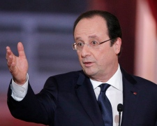 French President Francois Hollande speaks in Paris