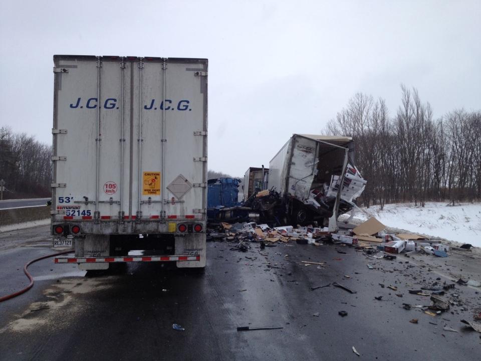 Truck Crash Causes 401 Closure Ctv News Kitchener - Www
