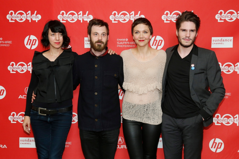 "From left to right, cast members Carla Azar, Scoot McNairy, Maggie Gyllenhaal and Francois Civil poses at the premiere of the film ""Frank"" during the 2014 Sundance Film Festival, on Friday, Jan. 17, 2014 in Park City, Utah. (Photo by Danny Moloshok/Invision/AP)"