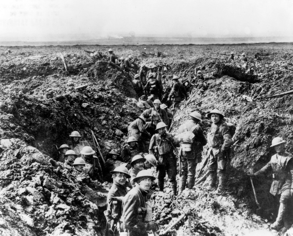 Canadian soldiers in the trenches at Vimy Ridge in 1917 during the First World War. (THE CANADIAN PRESS)