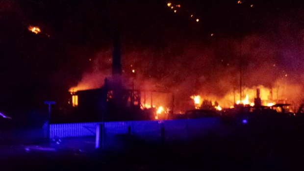 Fire destroys homes in Norway