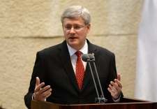 Harper says singling out Israel is anti-Semitism