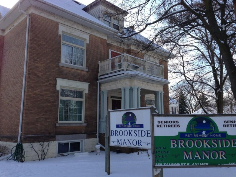 Residents of Brookside Manor in Aylmer, Ont. are being forced to find new accommodations on Thursday, Jan. 23, 2014. (Bryan Bicknell / CTV News)