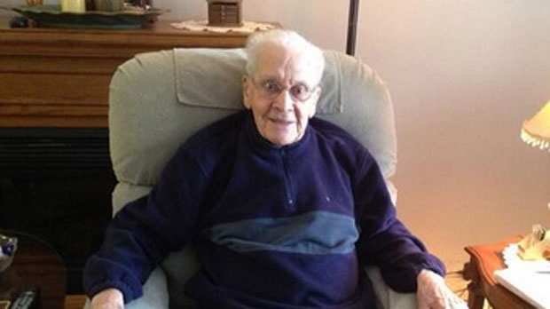 Winnipegger Jaring Timmerman, 105, started swimming at the age of 79.