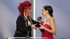 Jennifer Gasoi wins Grammy at pre-show