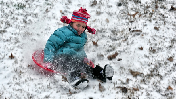 Winter storm slams southern U.S.