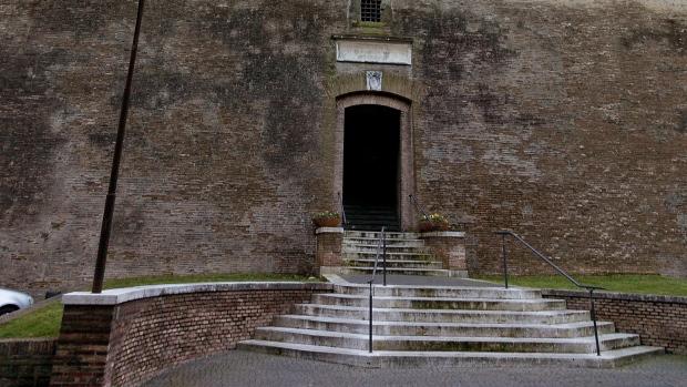 Vatican admits to banking glitch