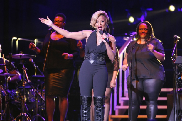 Mary J. Blige at Super Bowl party