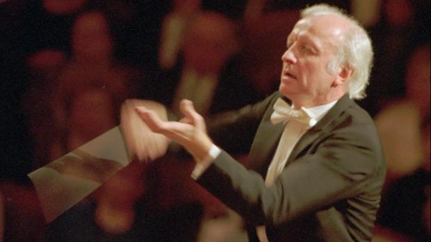 Gerd Albrecht conducts on Jan. 4, 1996