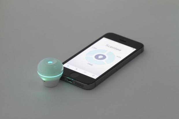 Scentee deliver smells via smartphone