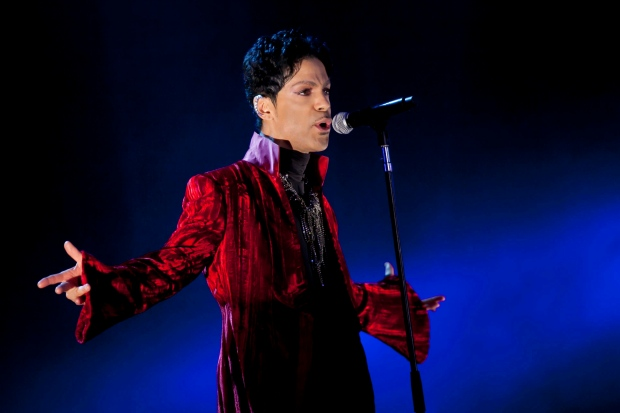 Prince kicks off string of London gigs