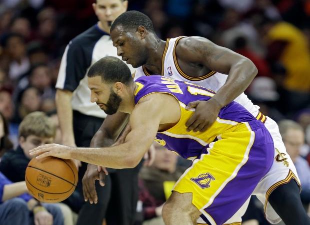 054d59b62bf1 NBA roundup  Lakers beat Cavaliers
