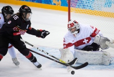 Canada beats Switzerland in women's hockey