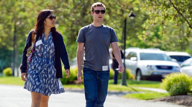 Mark Zuckerberg and Priscilla Chan in 2011