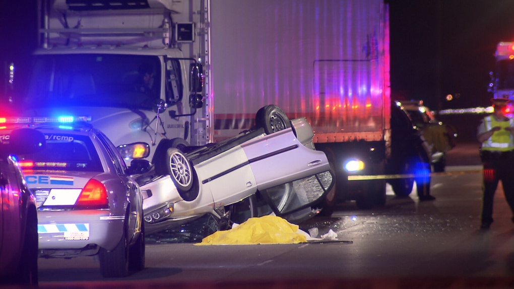 Fatal crash on Knight Street Bridge