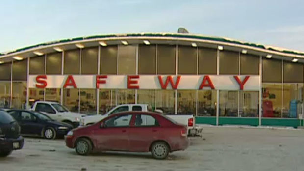 United Food and Commercial Workers members from Safeway stores across Manitoba met Sunday for an update on negotiations for a new collective agreement. (file photo)