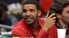 Drake sorry after criticizing Rolling Stone