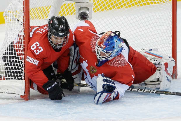 Switzerland beats Russia in women's hockey