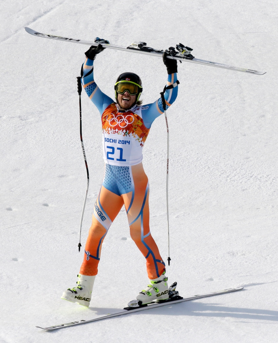 Norway's Kjetil Jansrud celebrates after his run in the men's super-G at the Sochi 2014 Winter Olympics, Sunday, Feb. 16, 2014, in Krasnaya Polyana, Russia.(AP Photo/Lee Jin-man)