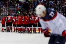 Team canada beats U.S. in hockey semifinals