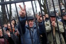 Ukraine protesters claim capital