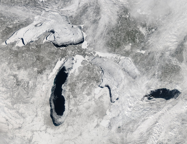 Great Lakes freeze over