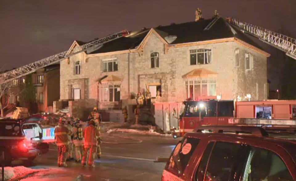 A late night fire broke out in a semi-detached house located at 6565 Collins Avenue in Cote Saint-Luc on Friday.