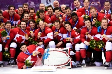 Canada wins gold men's hockey
