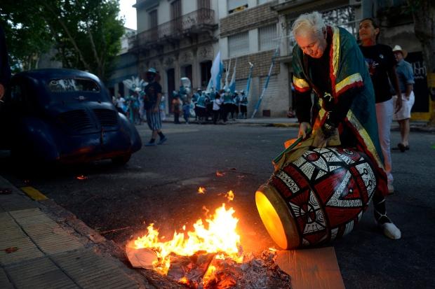 Carlos Paez Vilaro dies at 90