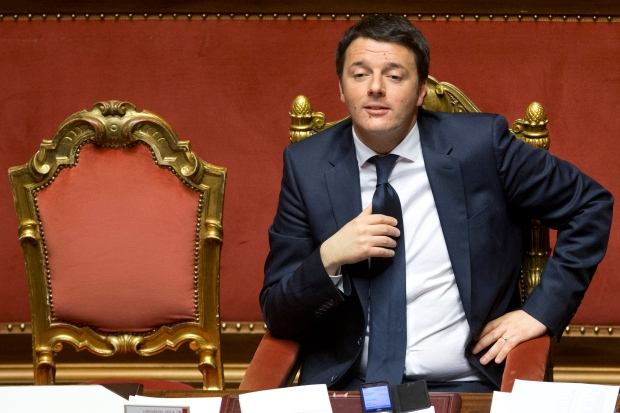Italian Premier Matteo Renzi survives vote