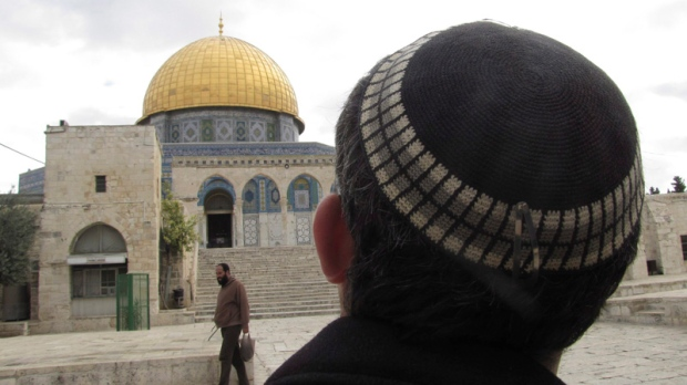 Israeli police enter sensitive Jerusalem holy site
