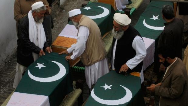 Pakistani Taliban to observe ceasefire peace talks