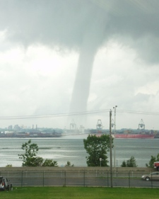 A view of the waterspout from across the St. Lawrence River in Longueuil, Que. on Wednesday, July 23, 2008. (Karl Martin / MyNews.CTV.ca)