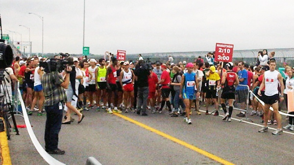 The race began from the Jacques Cartier bridge at around 8:30 a.m. Sunday. (Photo courtesy race ambassador Bruny Surin, from his Twitter feed.)