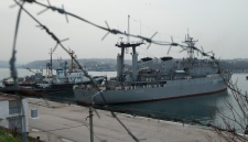Ukraine navy ships Slavutich Ternopil