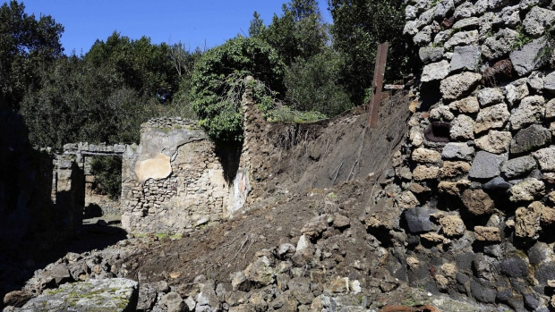 Restoration work begins in Pompeii